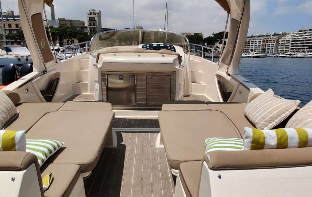 Mano Marine Grand Sport 37